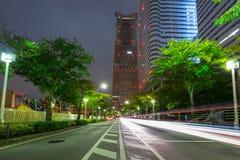 横滨市都市风景在晚上 免版税库存图片