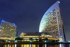 横滨都市风景在晚上 免版税库存图片
