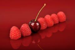 樱桃一莓六 图库摄影