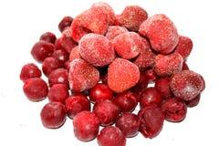 樱桃冻结的草莓 库存图片
