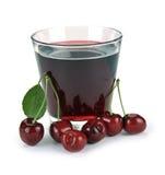 樱桃汁和莓果 免版税库存照片