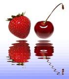 樱桃草莓 免版税库存图片