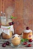 樱桃蛋糕 库存照片