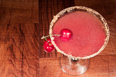 樱桃酸的马蒂尼鸡尾酒 免版税库存照片