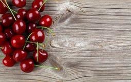 樱桃隔离甜白色 免版税库存图片