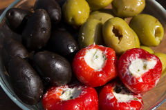 橄榄和胡椒 免版税图库摄影