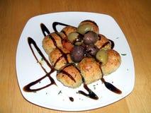 橄榄和面包 启动程序 开胃菜,意大利食物 免版税库存照片