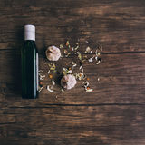 橄榄油和大蒜 图库摄影