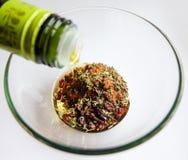 橄榄油和香料 免版税库存照片