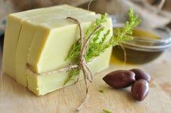 橄榄油手工制造肥皂 图库摄影