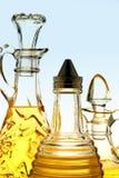 橄榄油瓶 免版税库存图片
