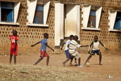 橄榄球在南苏丹 免版税库存图片