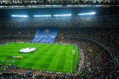 橄榄球场和观众在体育场诺坎普,巴塞罗那 免版税库存图片