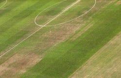橄榄球场的草皮 免版税库存照片