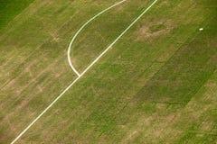 橄榄球场的草皮 免版税库存图片