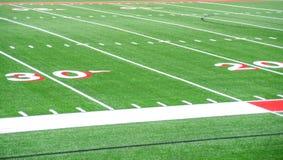 橄榄球场20和30条调车场界线 库存图片
