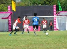橄榄球或足球比赛在体育场内在印度 免版税库存照片