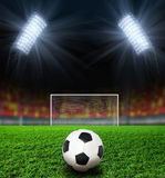 橄榄球晚上体育场 库存图片