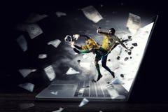 橄榄球最热的片刻 混合画法 库存图片