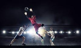 橄榄球最热的片刻 免版税库存照片