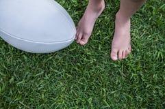 橄榄球球 免版税库存图片