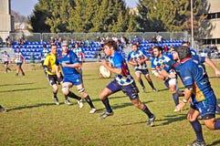 橄榄球符合Cus托里诺与橄榄球Paese 免版税图库摄影