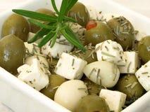 橄榄色的沙拉 免版税库存图片