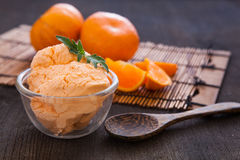 橘子冰糕冰淇凌 免版税库存图片