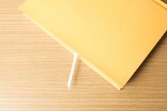 橙色书 库存图片
