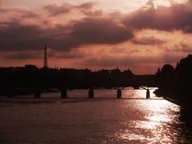 橙色天空在巴黎 图库摄影