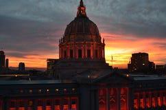 橙色旧金山香港大会堂日出 免版税库存图片
