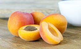 橙色杏子 免版税库存照片