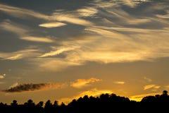 橙色狂放的天空日落 库存照片