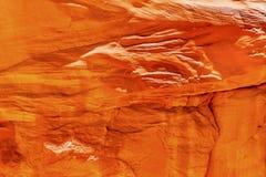 橙色砂岩岩石峡谷摘要拱门国家公园默阿布犹他 库存图片