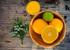 橙色篮子 库存图片