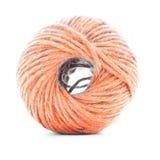 橙色纤维线团,钩针编织在白色背景隔绝的毛线卷 免版税图库摄影