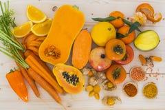 橙色菜和果子 免版税库存图片