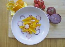 橙色萝卜沙拉 免版税库存图片