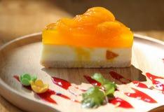 橙色蛋糕 免版税图库摄影