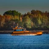 橙色试验船 免版税库存照片