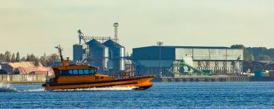 橙色试验船 库存图片