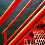 橙色钢楼梯的特写镜头 库存图片