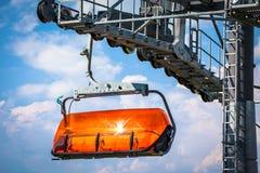 橙色索道在低Tatras,斯洛伐克 免版税库存照片