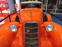 橙色LaSalle系列50敞篷车小轿车 库存照片