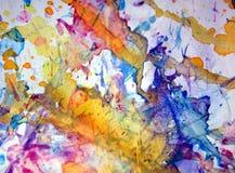 橙黄色红色蓝色彩虹柔和的淡色彩察觉背景,闪耀的泥泞的蜡状的油漆,对比在淡色颜色的形状背景 库存照片