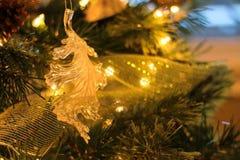 橡木圣诞节装饰品 免版税库存图片