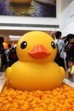 橡胶鸭子项目在香港 库存图片