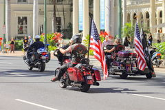 檀香山,夏威夷,美国- 2016年5月30日:威基基阵亡将士纪念日游行 免版税库存图片