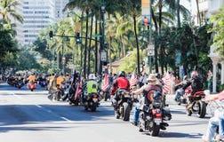 檀香山,夏威夷,美国- 2016年5月30日:威基基阵亡将士纪念日游行 图库摄影