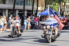 檀香山,夏威夷,美国- 2016年5月30日:威基基阵亡将士纪念日游行 库存图片